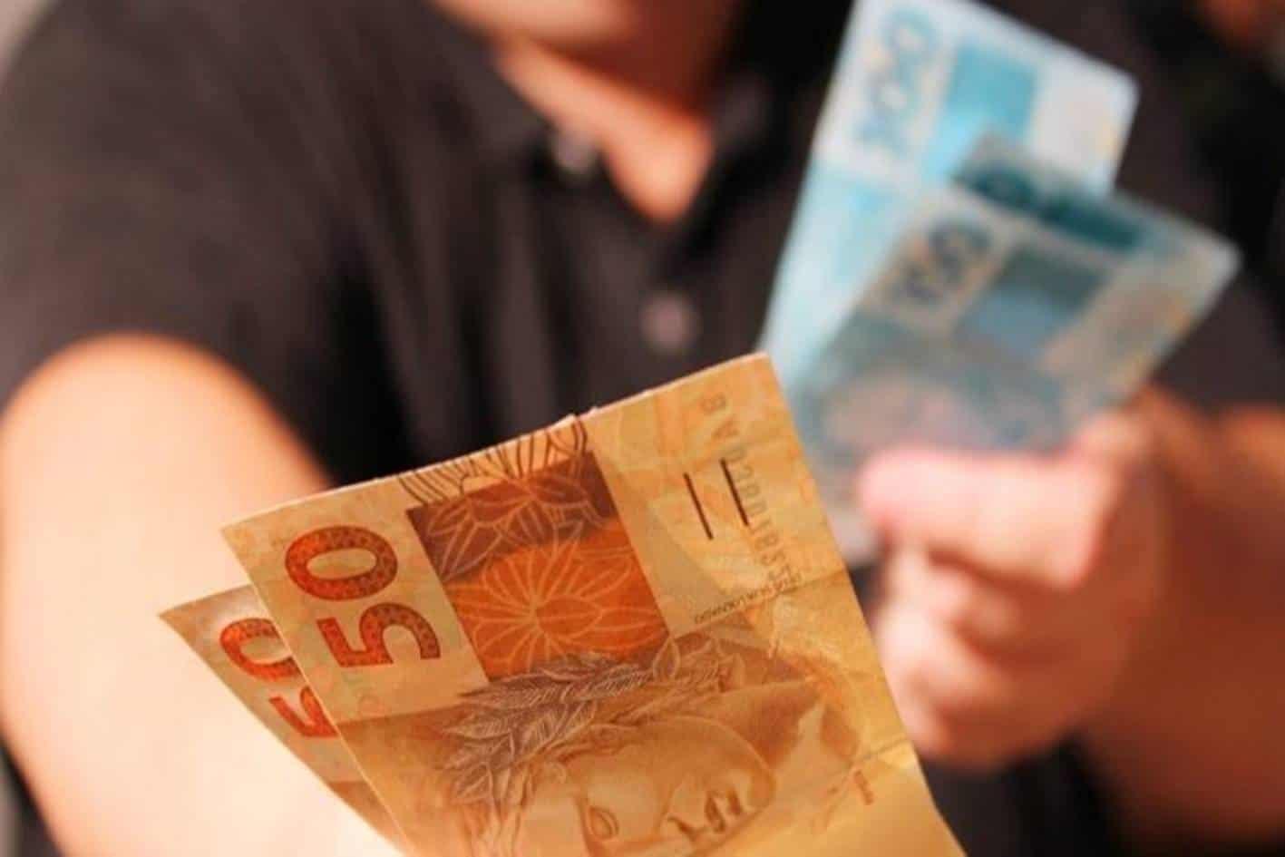 Governo debate novo Saque FGTS de R$ 1.000